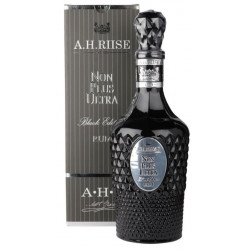 A. H. Riise Non Plus Ultra Black Rum 0,7L